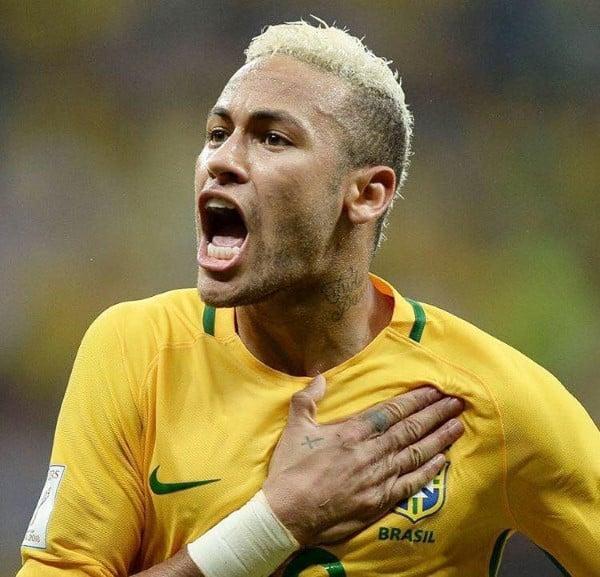 Neymar បែកចិញ្ចើមក្នុងការប្រកួត ខណៈ ប្រេស៊ីល ឈ្នះ បូលីវី ៥-០ (មានវីដេអូ)
